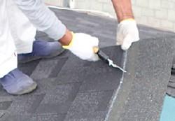 アスファルトシングルの屋根茸き替え施行前