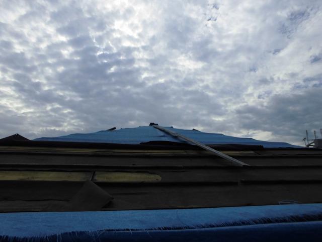 大きな折板屋根も無料で点検いたします! 街の屋根やさんの無料点検について詳しくはコチラ