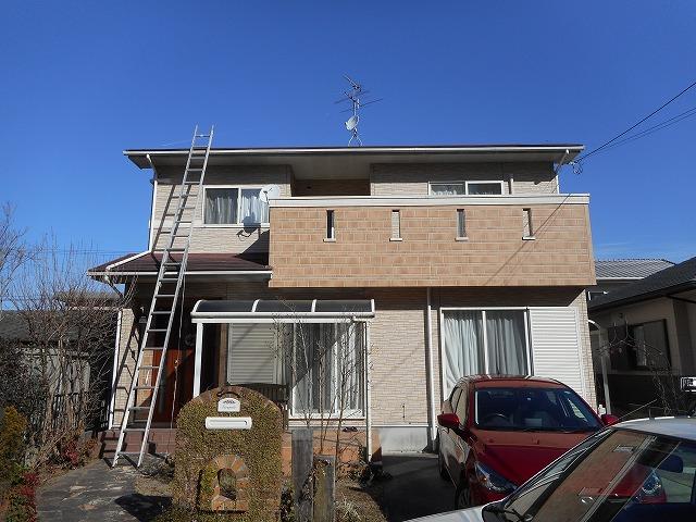 折板屋根の屋根葺き替えの事例を見る