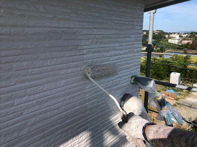 外壁 塗装工事 中塗り