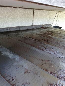 金属屋根 錆び 雨漏り 工事前