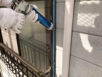 サッシ廻りコーキング打設 外壁塗装④
