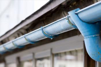 雨樋の破損を放置すると