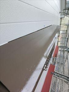 外壁塗装 庇部分 中塗り完了