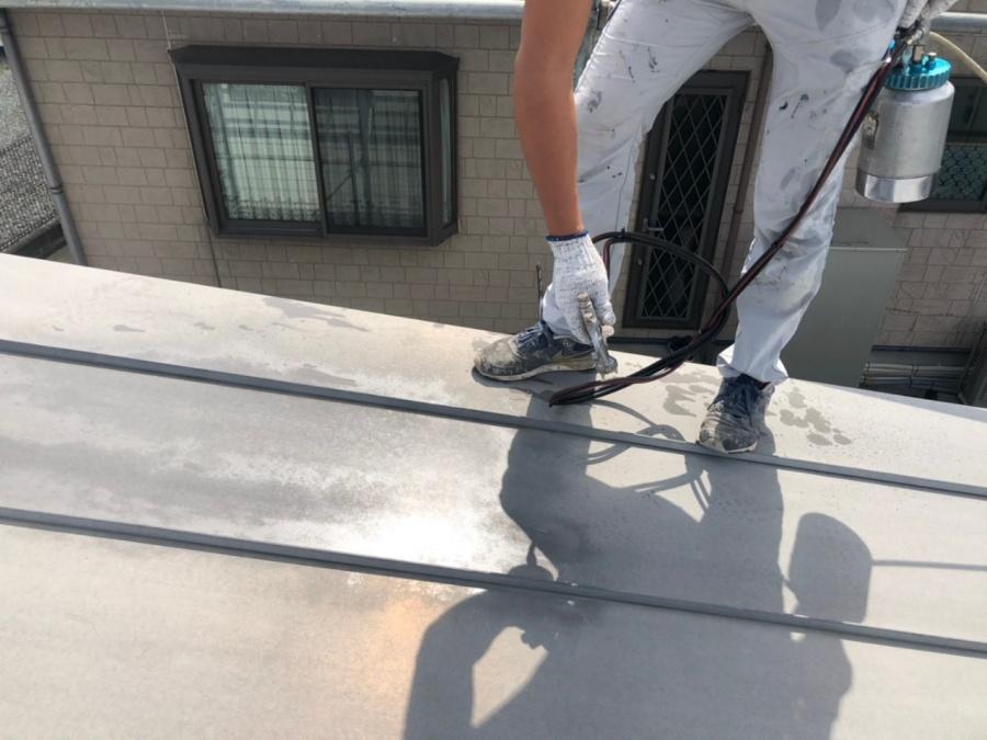 圧送ガン 下塗り 屋根塗装