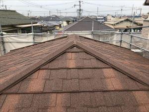 屋根 カバー工法 屋根材 棟下地取付完了