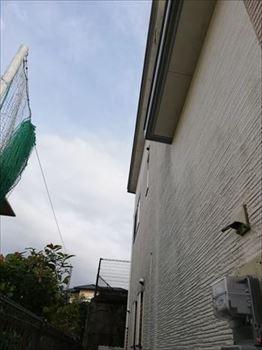 熊本市東区にて雨漏り被害の屋根と外壁の塗装工事を行った様子