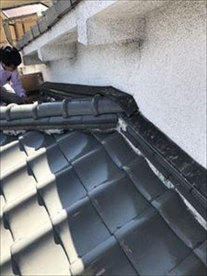 雨漏り調査 寄棟 壁取り合い部分②