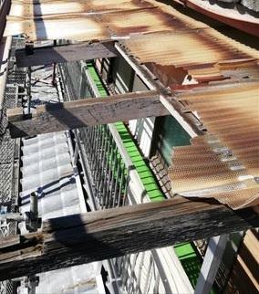 波板屋根 フレーム 腐食