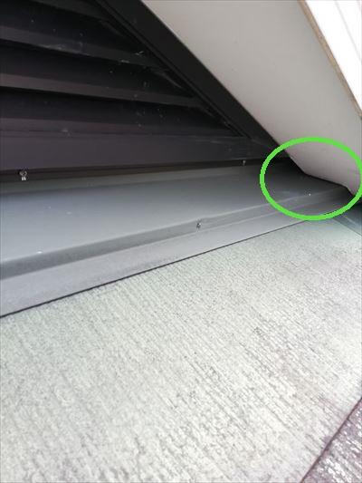 屋根 換気口隙間 雨漏り