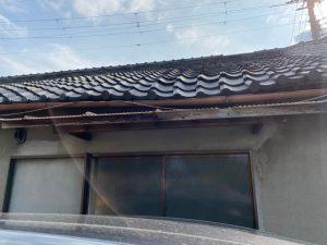 瓦屋根劣化症状 たわみや歪み