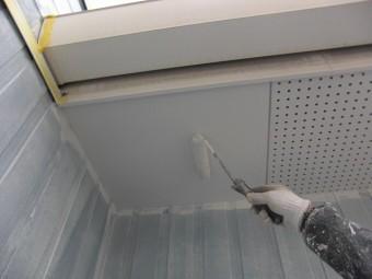 軒天井塗装2回目アップ