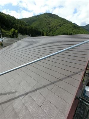屋根塗装 中塗り 完了
