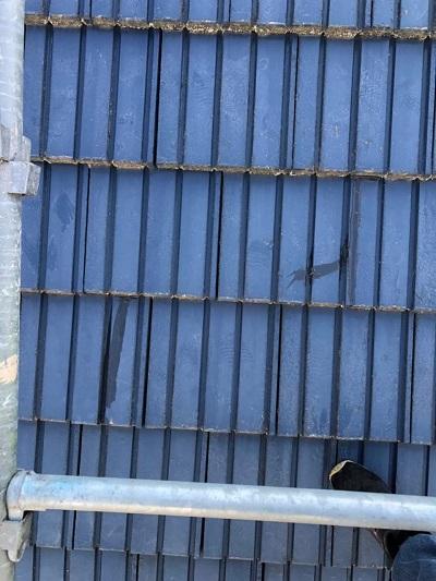 セメント瓦 隙間 雨漏り 補修前